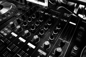 Solid Tips on Employing a DJ for an Event